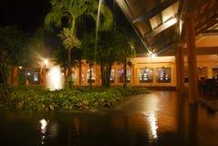 Jardim do recurso na noite Imagens de Stock Royalty Free