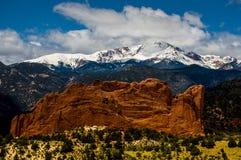 Jardim dos deuses e do pico dos piques Imagem de Stock Royalty Free