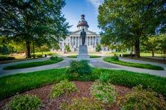 Jardim e estátua em Carolina State House sul em Colômbia, Foto de Stock Royalty Free