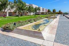 Jardim em CCB - Centro Cultural de Belem das oliveiras Fotografia de Stock Royalty Free