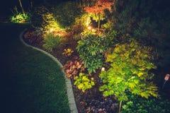 Jardim iluminado do quintal fotografia de stock