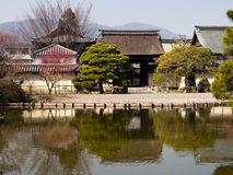 Jardim japonês com lagoa Fotografia de Stock Royalty Free