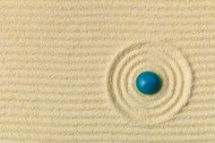 Jardim japonês do zen com círculos e gota Fotos de Stock Royalty Free