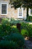 Jardim na HOME de pedra Foto de Stock Royalty Free