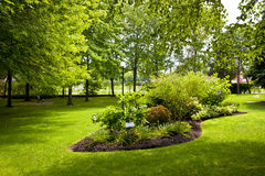 Jardim no parque Fotos de Stock Royalty Free