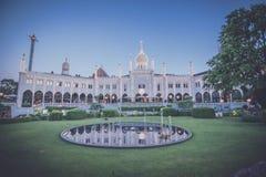 Jardim no parque de diversões de Tivoli em Copenhaga fotos de stock royalty free