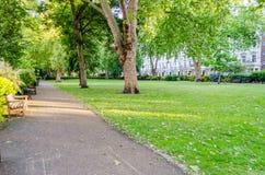 Jardim no quadrado de St George, Londres Imagens de Stock Royalty Free