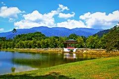 Jardim Taiping Malásia da opinião do lago fotografia de stock