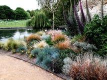 Jardin à l'Université de Cambridge photo libre de droits