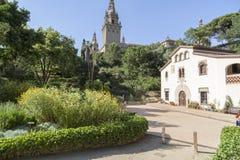 Jardin botanique historique avec le masia, h rural catalan typique Photographie stock