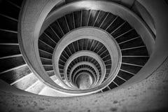 Jardin chinois, Singapour - 7 mai 2017 : Regard en bas de l'escalier en spirale à l'intérieur de la tour de Pogoda Image stock