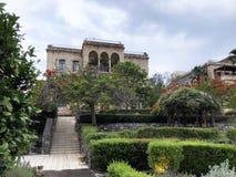 Jardin d'hôtel et bâtiment écossais, Tibériade, Israël Image libre de droits