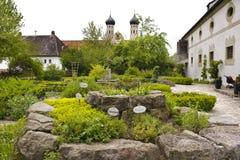 Jardin d'herbes aromatiques dans l'abbaye Image libre de droits