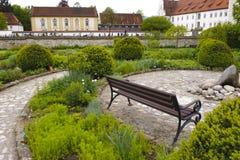 Jardin d'herbes aromatiques dans l'abbaye Images stock