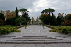 Jardin d'une villa historique Photographie stock libre de droits