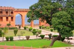 Jardin de Charbagh dans le fort de Jaigarh près de Jaipur, Ràjasthàn, Inde Image stock
