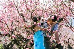 Jardin de couples au printemps Image libre de droits