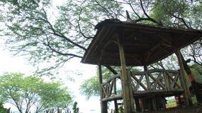 Jardin de Gazeboo avec amour Images stock