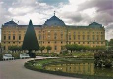 Jardin de résidence de Wurtzbourg le jour pluvieux images libres de droits