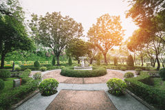 Jardin de rond point avec le brightlight Photographie stock libre de droits