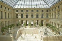 Jardin de sculpture au musée de Louvre, Paris, France photo stock