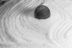 Jardin de zen en noir et blanc photo libre de droits