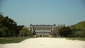Jardin des Plantes och museum av evolution france paris arkivfilmer