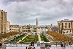 Jardin Du Mont Des sztuki patrzeje w kierunku Uroczystego miejsca i wierza Brukselski urząd miasta, Bruksela, Belgia Zdjęcie Stock