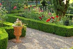 Jardin formel en Provence Photos libres de droits