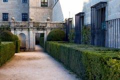 Jardin français dans le palais d'Escorial photo stock