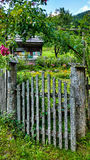 Jardin idyllique de pays Photo stock
