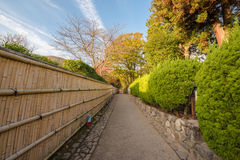 Jardin japonais de paysage à l'arashiyama Photos stock