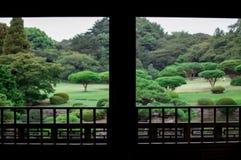 Jardin japonais La chute est saison très colorée du Japon L'automne de Kyoto est synchronisation très bonne pour voir le Japon Le image libre de droits