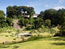 Jardin japonais traditionnel de paysage en raison de château de Kanazawa Image libre de droits