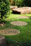 Jardin tranquille, un paradis sur terre. Images libres de droits
