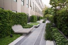 Jardin urbain sur le dessus de toit Image libre de droits