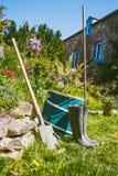 Jardinage - ensemble d'outils pour le jardinier photos libres de droits