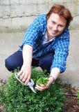 Jardinero de las mujeres Foto de archivo libre de regalías