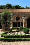Jardines, abadía de Fontfroide Fotos de archivo