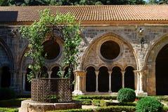 Jardines, abadía de Fontfroide Fotos de archivo libres de regalías