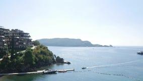 Jardines complejos de Dukley del hotel de lujo en Budva, Montenegro grande almacen de video