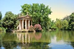 Jardines de Borghese del chalet, Roma Imagen de archivo libre de regalías