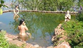 Jardines de la presa y del beatifull de Almatty foto de archivo