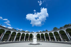 Jardines de Versalles - columnata del La Fotos de archivo libres de regalías