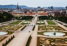 Jardines del castillo del belvedere en Viena, foto de archivo libre de regalías