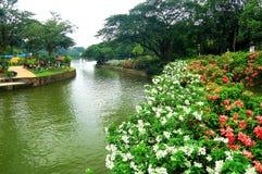Jardines del lago o jardines botánicos de Perdana Fotos de archivo