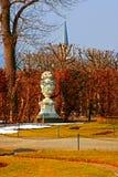Jardines del palacio de Viena en invierno Imagen de archivo libre de regalías