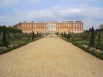 Jardines del palacio del Hampton Court Foto de archivo libre de regalías
