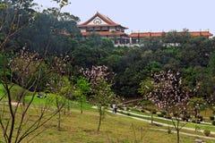 Jardines del templo de Zulai Bhudist Imágenes de archivo libres de regalías