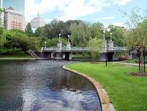 Jardines públicos asoleados imagen de archivo